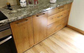Thiết kế và thi công tủ bếp gỗ sồi Mỹ tự nhiên nhập khẩu